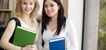 【スカラシップ】教育ローン・奨学金・教育費に関する若者の意識 ―長崎県内の高校生・大学生に対するアンケート調査―Student`s Survey on Education Loan, Education Expense and Financial Literacy